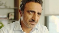 Chobani CEO Hamdi Ulukaya pledges $2m to help refugees
